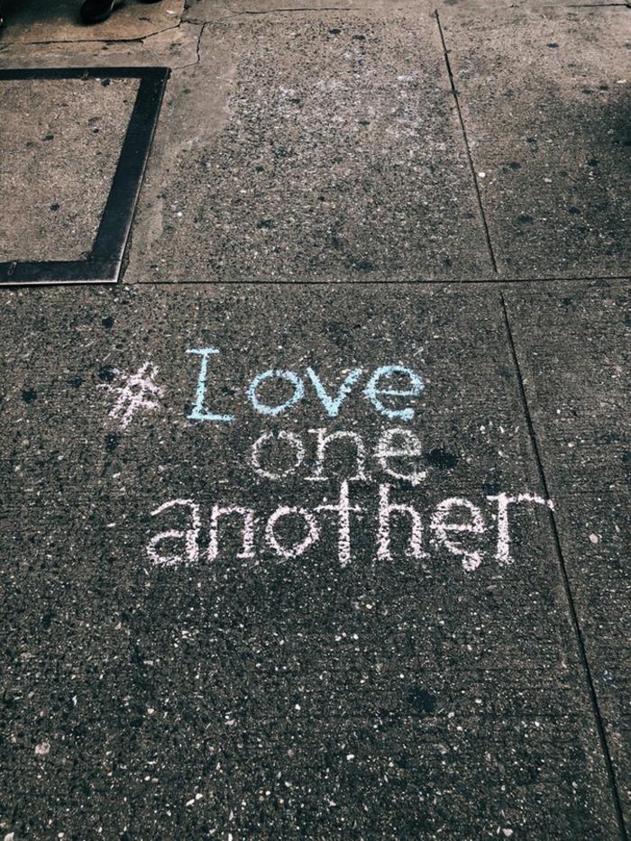 Aimer l'autrui, hashtag sur la rue, photo romantique, images de collection image romantique, écrire un message sur la rue