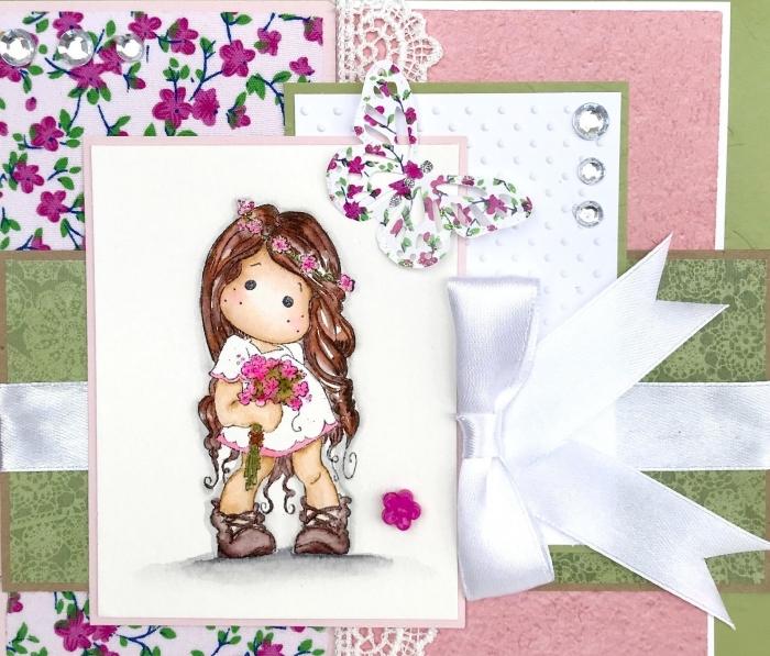faire une carte pour enfant, activité manuelle maternelle art papier facile, diy carte anniversaire en papier rose pastel avec illustration scrap petite fille