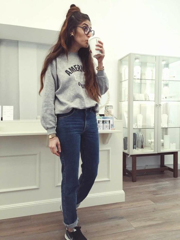Fille mignonne simple tenue, boire son café, tenue postbad, photo tumblr fille, les meilleures idées tenue décontracté chic