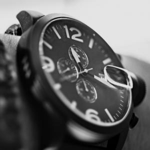 De la première montre mécanique à la montre de luxe moderne - symbolique et histoire de la mesure du temps