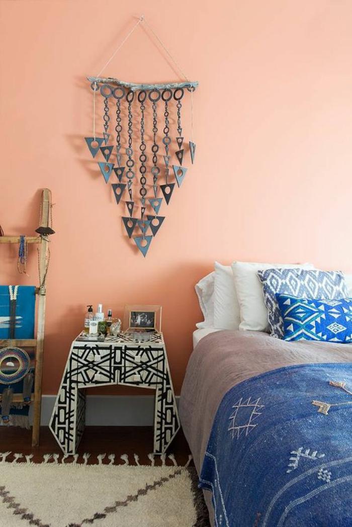 chambre à coucher ethique chic, couleur mur chambre pantone couleur automne 2018 2019, tenture mural métal