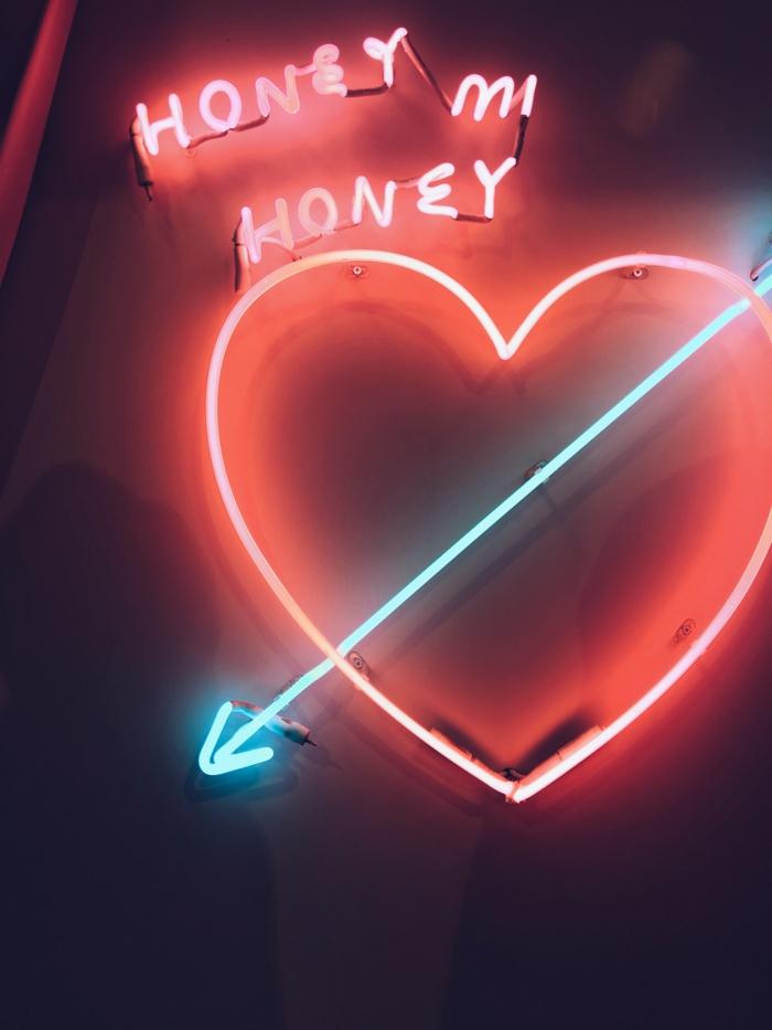 Neon sign, couple romantique, carte st valentin, l amour pour toujours quel est le plus beau couple du monde