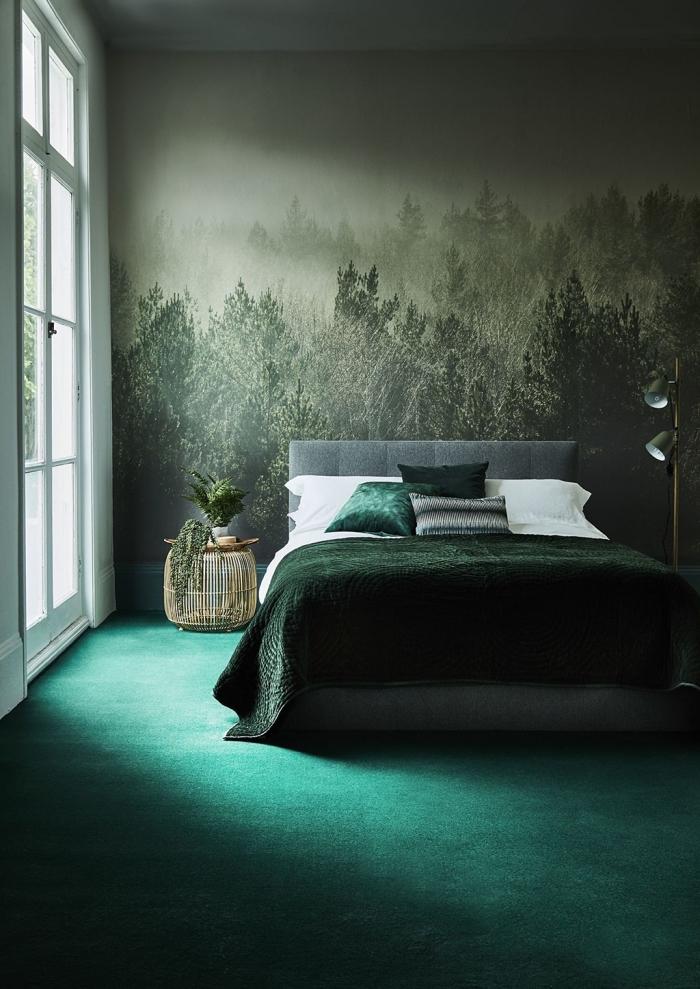 aménagement chambre à coucher adulte moderne, papier peint tendance moderne à design photo forêt, chambre à coucher vert foncé
