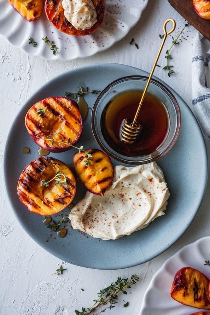 des nectarines grillées au mascarpone, citron, cannelle et miel, idée de dessert avec mascarpone rapide