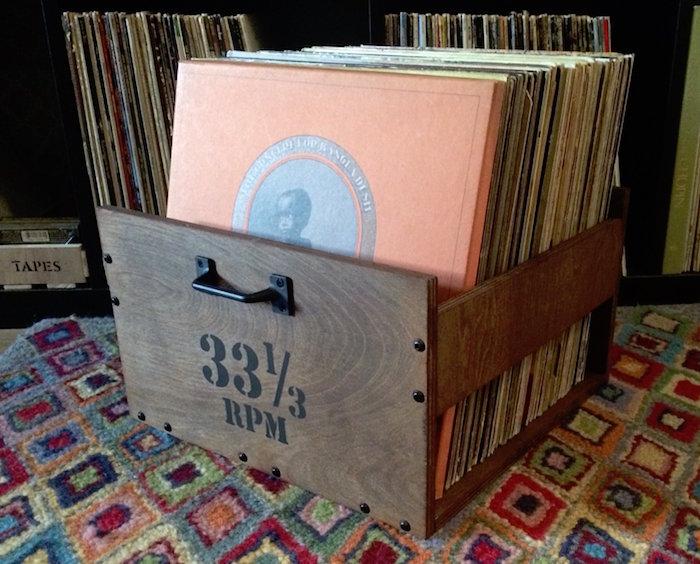 caisse en bois déco pour rangement de disque vinyle avec poignée comme un tiroir pour être ranger dans meuble