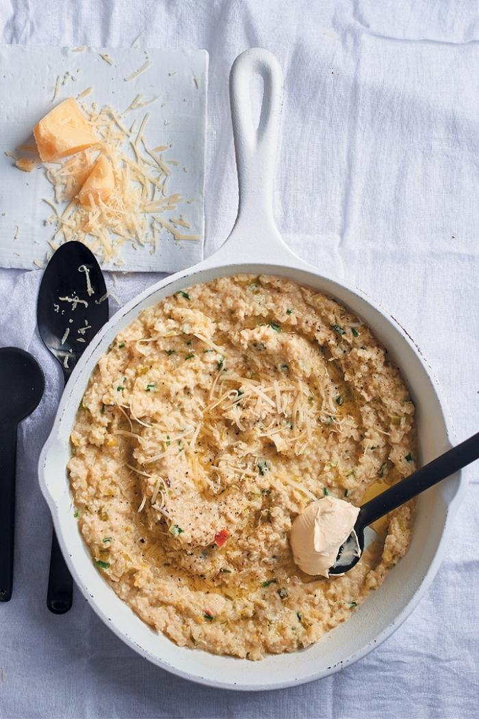 recette réconfortante de risotto au chou-fleur, au mascarpone, au citron avec parmesan râpé, recette mascarpone salé pour l'automne et l'hiver