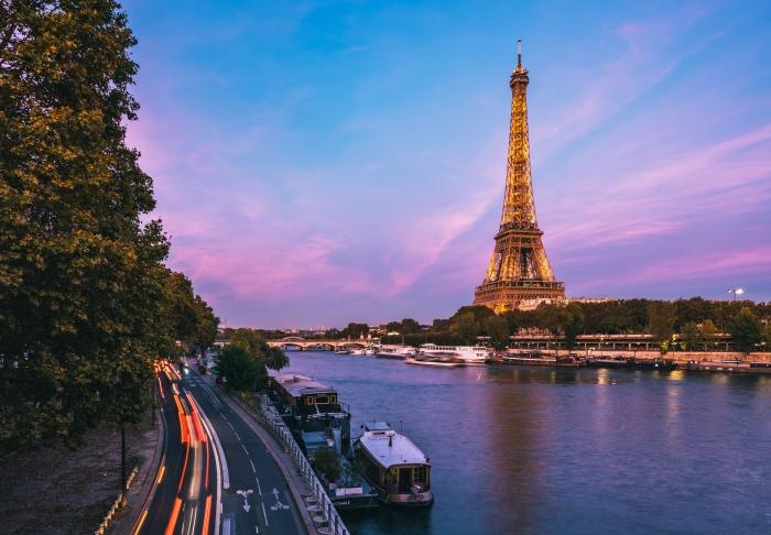 lieu avec terrasse et vue sur la Tour Eiffel, idée réservation pour fête ou évènement professionnel, restaurant sur les quais de Seine