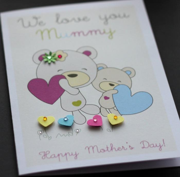 activité manuelle adulte avec matériaux de scrapbooking, modèle de carte d'anniversaire pour enfant avec petits coeurs