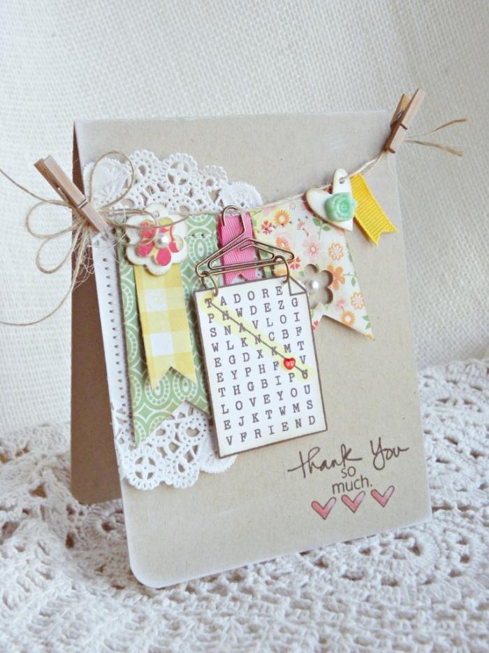 activité manuelle ado facile, art papier avec technique scrapbooking, modèle de carte en papier recyclé avec cordelette