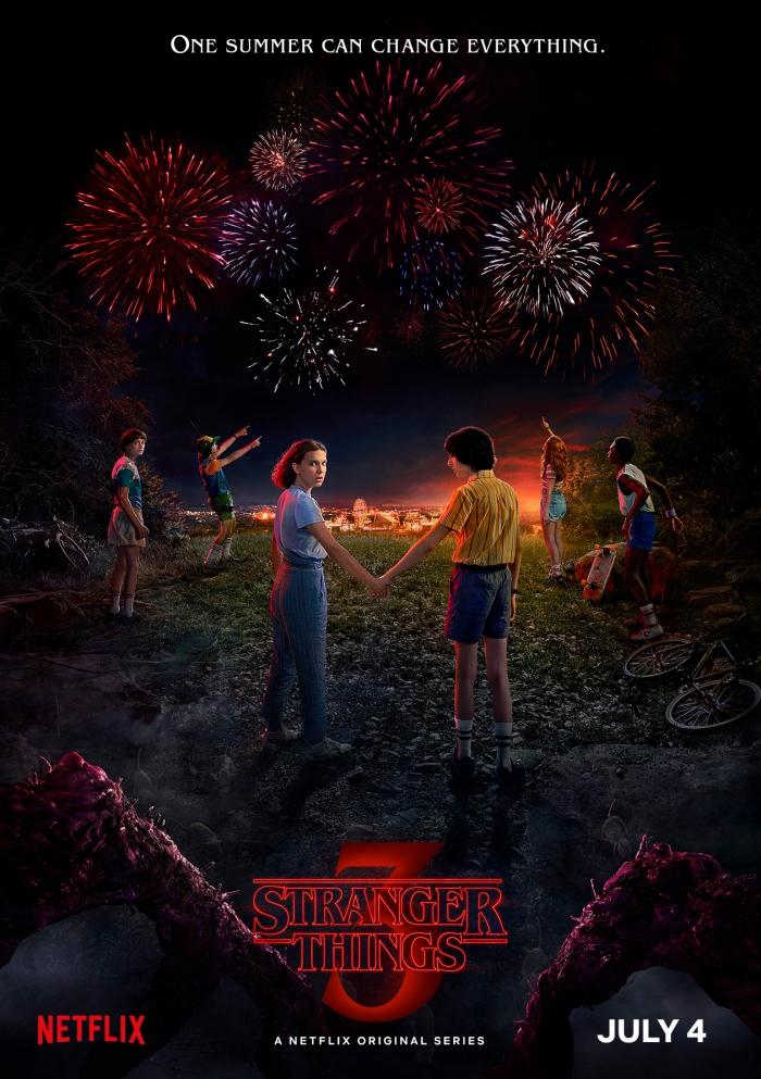 affiche de saison 3 de Stranger Things, poster Mike et Eleven de Stranger Things, affiche feux d'artifice stranger things