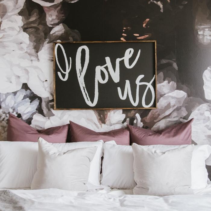 accessoires décoration chambre adulte, cadeau saint valentin couple, modèle tableau mural sur le thème d'amour