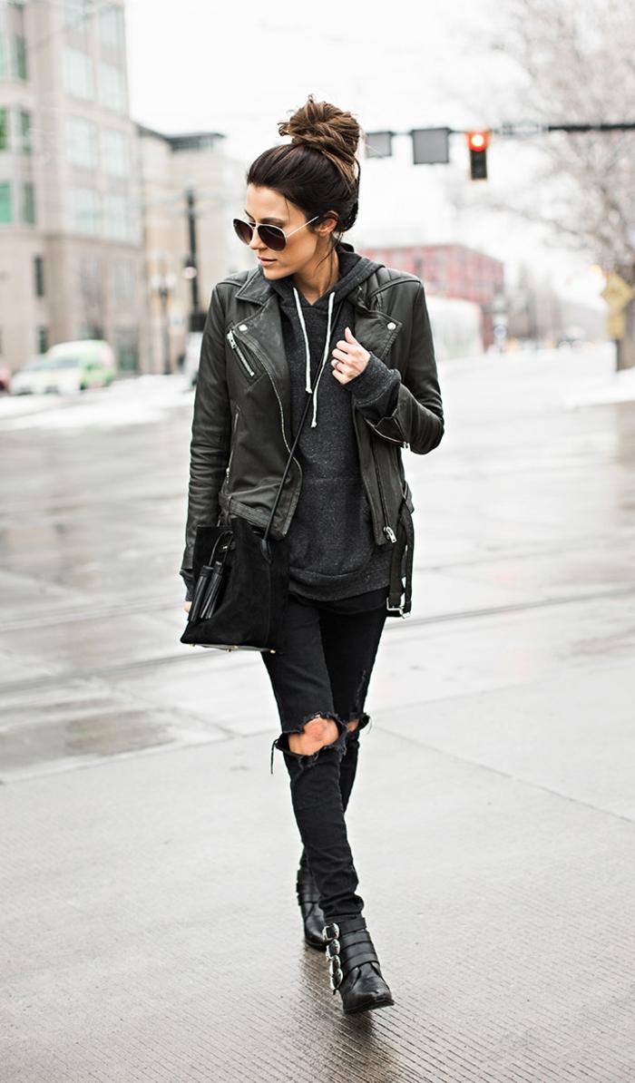 Rock tenue avec bottines, lunettes de soleil aviateur, chignon haut, veste cuir, girl tumblr mode 2019, ado tenue swag fille de pinterest ou de tumblr style
