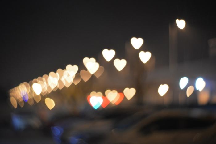 image saint valentin photo couple amoureux affection entre copain et copine bokeh photographie coeurs