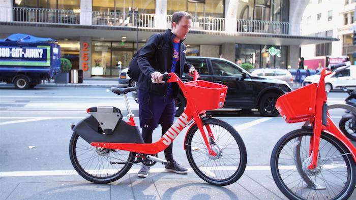 comment circuler en ville avec des moyens de transports moins polluants, le vélo de uber autonone et libre service qui utilisera les avancées de la robotique