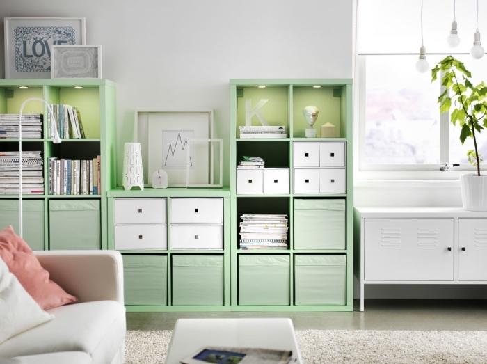 comment relooker un meuble bois blanc, idée quelle couleur associer au blanc dans un salon, modèle meuble rangement vert pastel