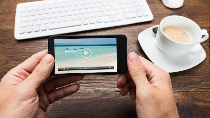 rendre plus facile la navigation sur youtube avec des vidéos à changer facilement avec un swipe ou glissement de doigt, nouvelles technologies youtube