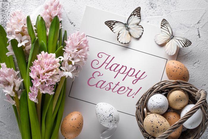 Joyeuses Pâques en anglais dessin de paques, carte joyeuses pâques cool idée quelle image, fleurs de printemps et oeufs