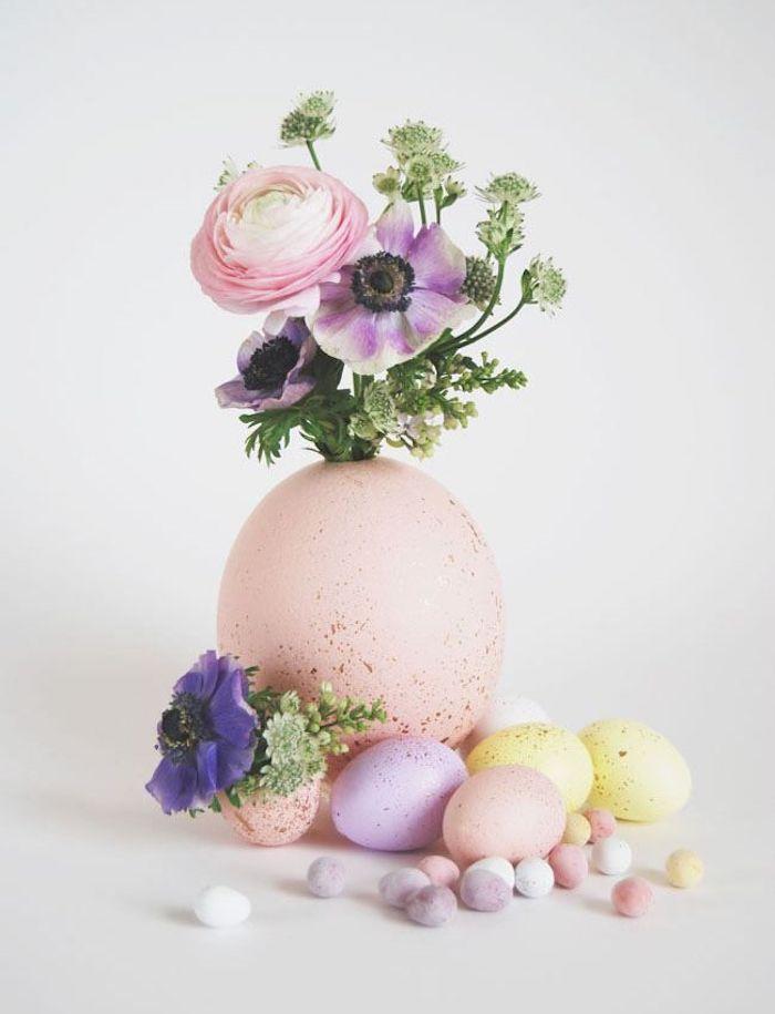 Décoration de Pâques, oeuf grand utilisé comme vase de fleurs artificielles, jolie photo oeuf de paques carte joyeuses pâques coloriage oeufs