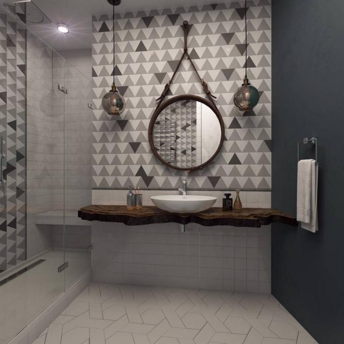 comment aménager une petite salle de bain avec douche, modèle comptoir salle de bain de bois brut, idée carrelage blanc et gris