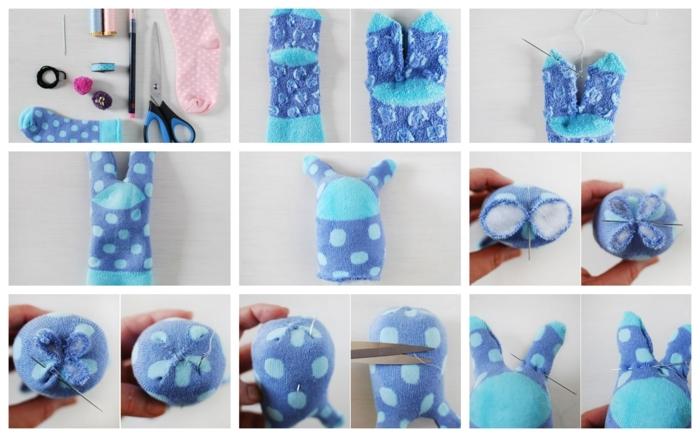 activité de paques, chaussette bleue transformée an lapin mignon, déco paques créative