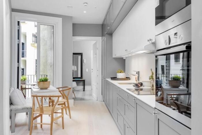 comment décorer une petite cuisine, idée quelle couleur avec le gris dans une cuisine minimaliste, déco cuisine blanche avec meubles gris