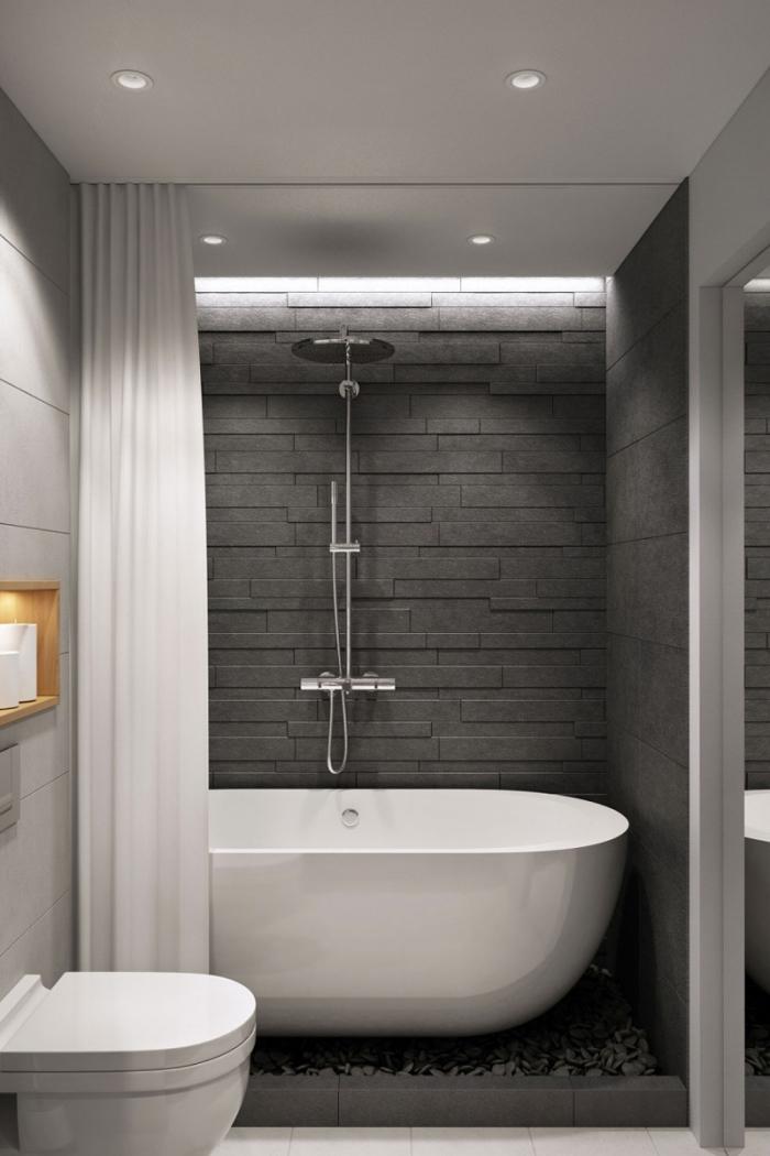 idée couleur salle de bain moderne, mur en relief de couleur gris anthracite, déco salle de bain avec baignoire autoportante