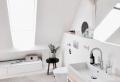 La salle de bain sous comble – petites astuces pour l'aménager et décorer
