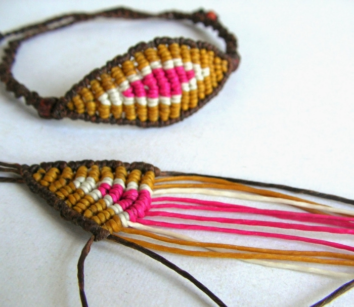 idée bracelet tressé en corde macramé de couleur marron, modèle de bijou fait main avec corde et noeuds macramé