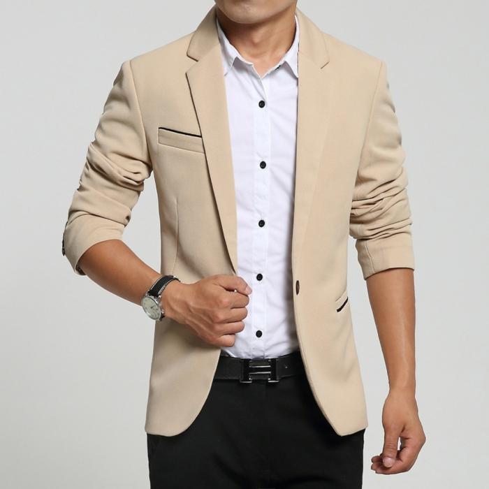 quelles couleurs porter pour un look business homme, modèle de chemise blanche avec boutons noirs sous blazer couleur terreuse