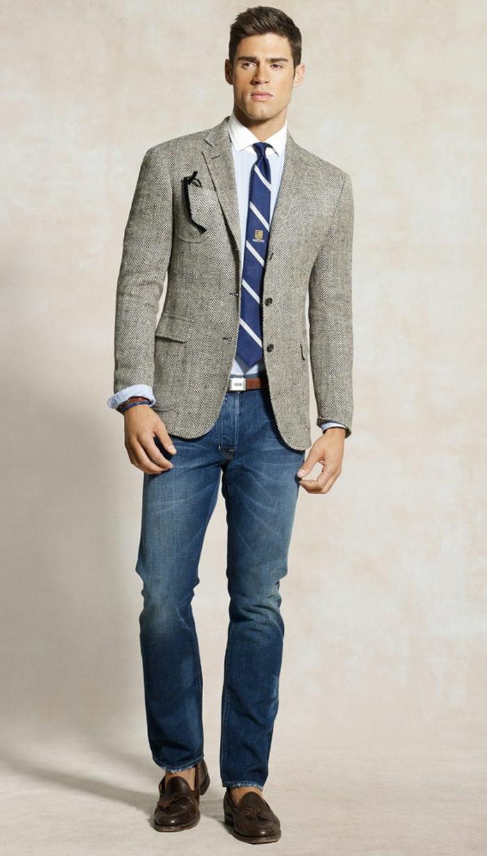 exemple comment porter une chemise blanche avec jeans slim, accessoires en cuir marron ceinture et chaussures pour homme