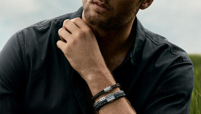accessoires pour une tenue professionnelle décontractée homme, modèles de bracelets en gris et noir design tressé