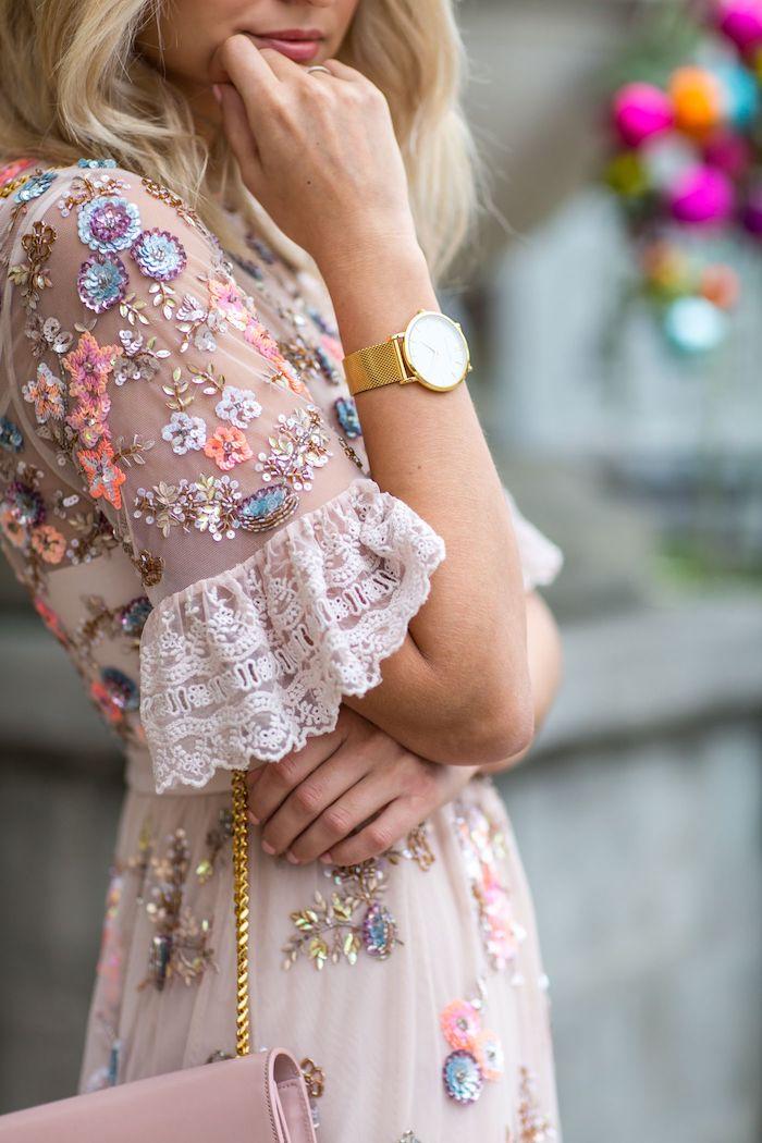 Été robe rose pale fleurie dentelle avec manche courte trop cool, robe bohème chic dentelle, belle femme