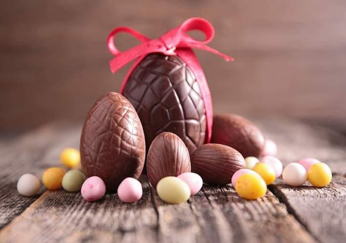 Nouvelle saison célébrer avec chocolat et images dessin oeuf de paques, joyeuses paques, images bonjour printemps
