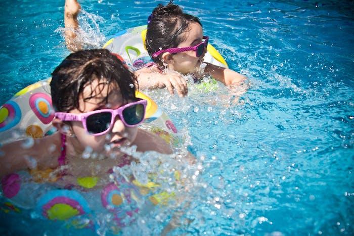 les astuces de sécurité pour une baignade sans soucis, idées comment sécuriser la piscine pour les enfants