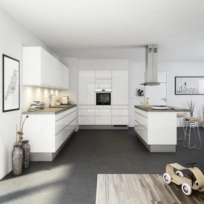 design intérieur minimaliste, déco cuisine contemporaine blanche avec plancher et comptoirs gris, exemple éclairage sous meubles