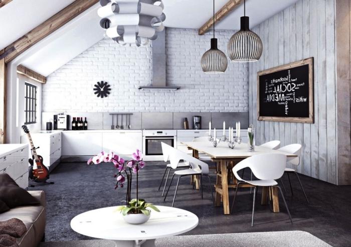 jolie cuisine, blanc et bois, tables blanches piétement en bois, carrelage métro, lampes en bambou
