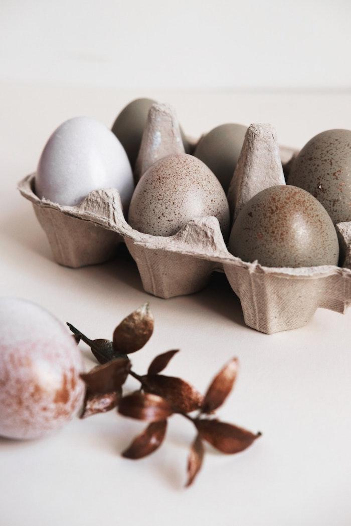 Oeufs décorés pour la fete des paques, image de pâques joyeuses fetes de paques pastel couleurs photo