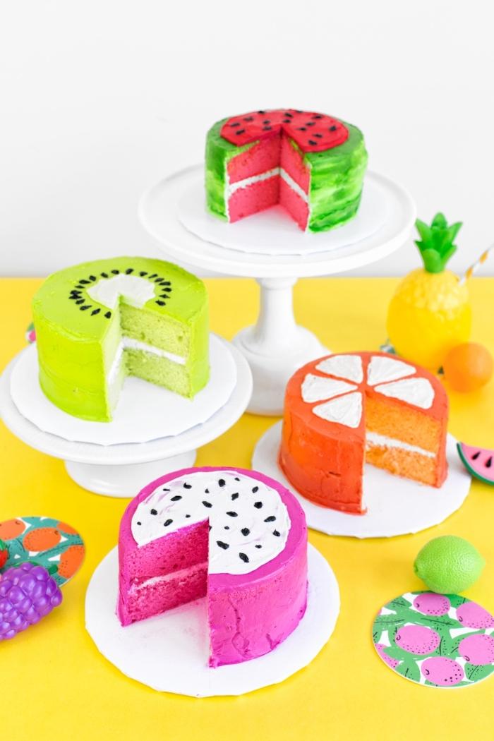 gâteaux d'anniversaire originaux façon fruits tropicaux, décoration de gâteau d'anniversaire réalisée avec du glaçage coloré