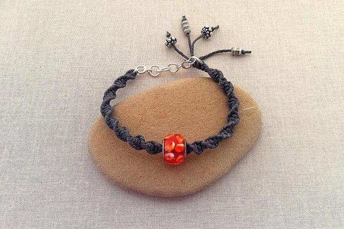 idée bijou diy facile, activité manuelle ado, fabrication de bijoux en corde macramé, technique noeud torsadé