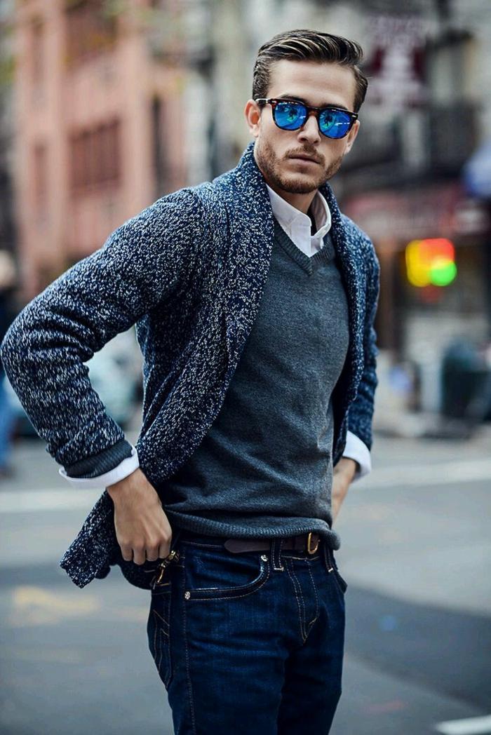 accessoires homme pour look casual smart, combiner une paire de jeans foncés avec chemise et gilet de couleurs neutres
