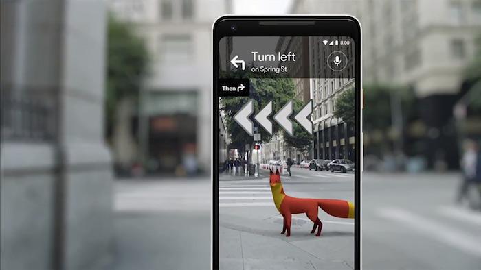 Illustration de la nouvelle fonction à venir de Google Maps intégrant la réalité augmentée et analysant les alentours avec la caméra pour un guidage précis