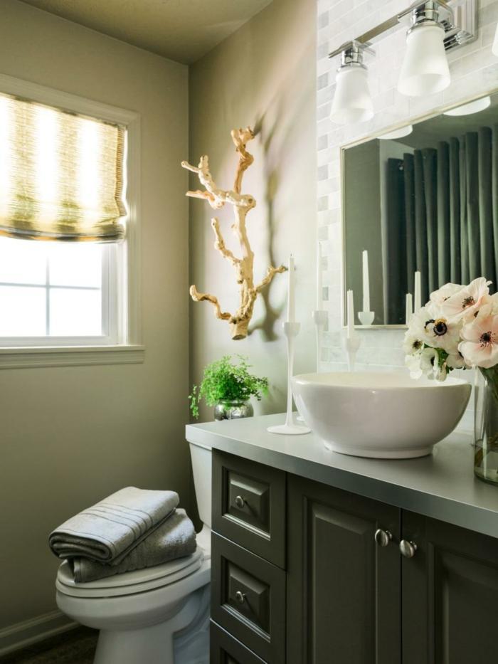 quelle peinture pour toilettes, vasque blanche, vase fleurs artificielles, meuble sous vasque gris, déco murale bois flottant