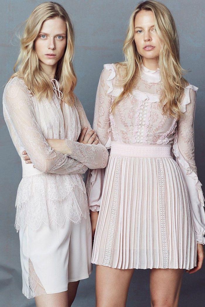 Adopter le style bohème avec une robe longue été, style boheme chic coachella 2019 tendances, deux femmes en robes blanches