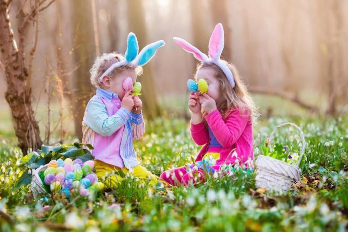 Les enfants qui jouent activité des paques, dessin de paques, belles images de paques, beauté nature champs