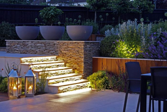 terrasses de jardin contemporain, escalier en béton et pierre, lanternes, massif fleurs