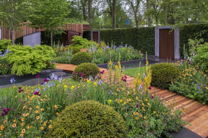 pont de jardin, allées de jardin en bois, exemples massifs vivaces, haies et buissons