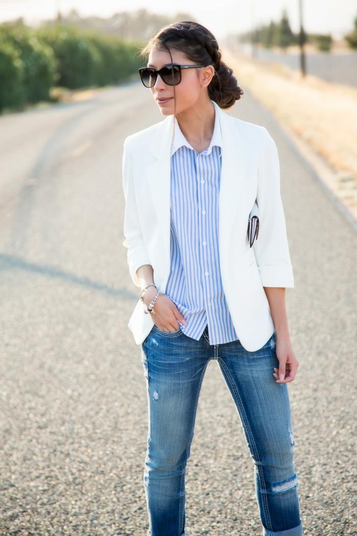 look chic décontracté au bureau pour femme et homme, comment porter une paire de jeans slim avec chemise et blazer
