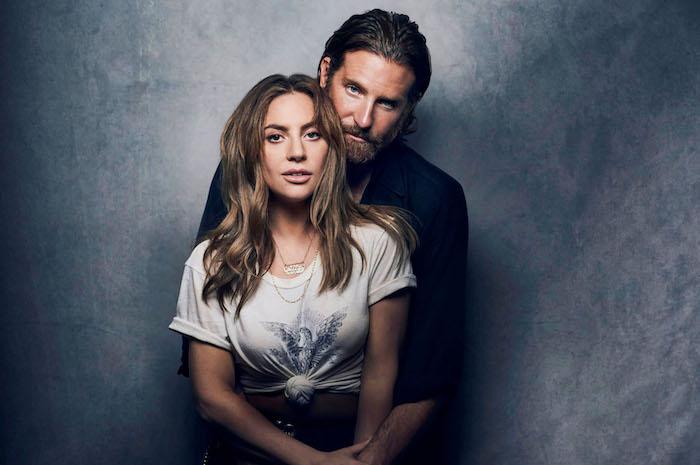 photo Bradley Cooper et lady gaga partenaires dans le film A Star Is Born pour lequel l'acteur n'est pas nominé comme Meilleur Réalisateur
