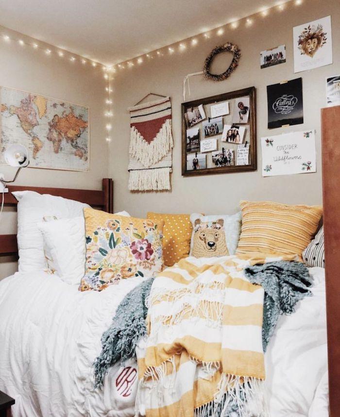 Idée déco chambre étudient, chambre tumblr hipster style avec coussins jaunes mignons, cool idée pour la chambre à coucher