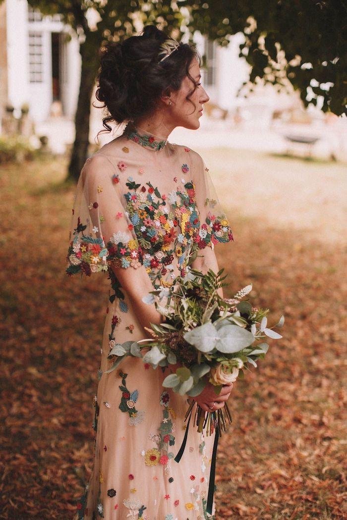 Mariage robe longue été fleurie, robe bohème chic dentelle, idée comment s habiller pour un mariage bohème